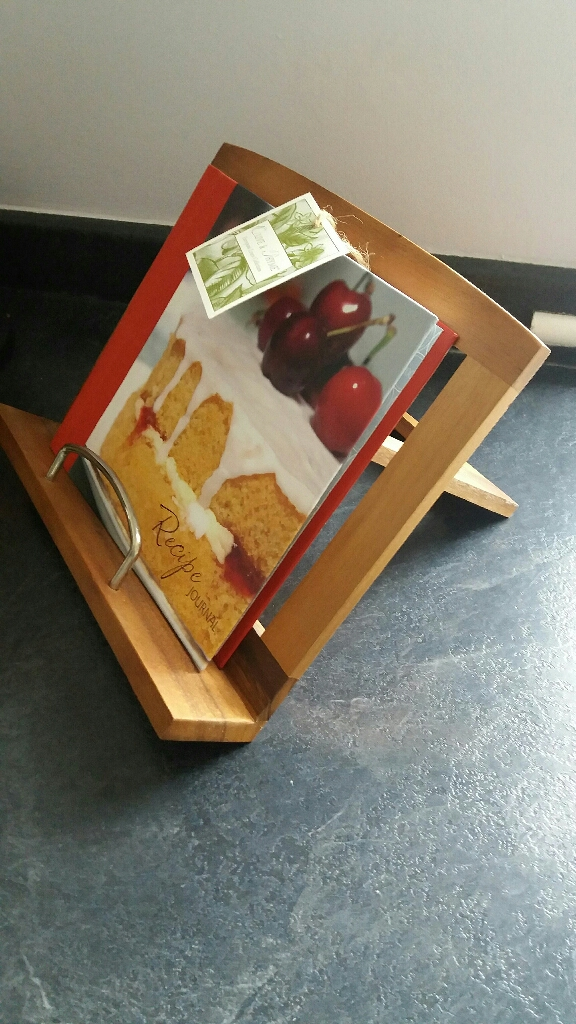Cookbook stand & recipe book