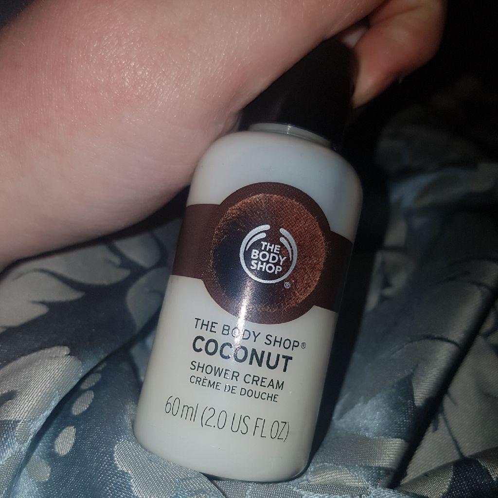Body shop coconut shower gel