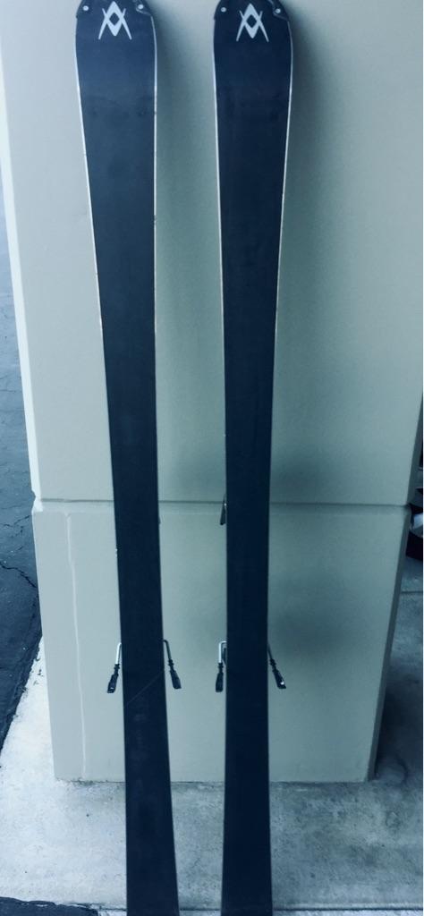 VOLKL AC-3 Skis