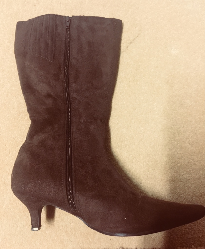 Boots size 5 wide calf fit