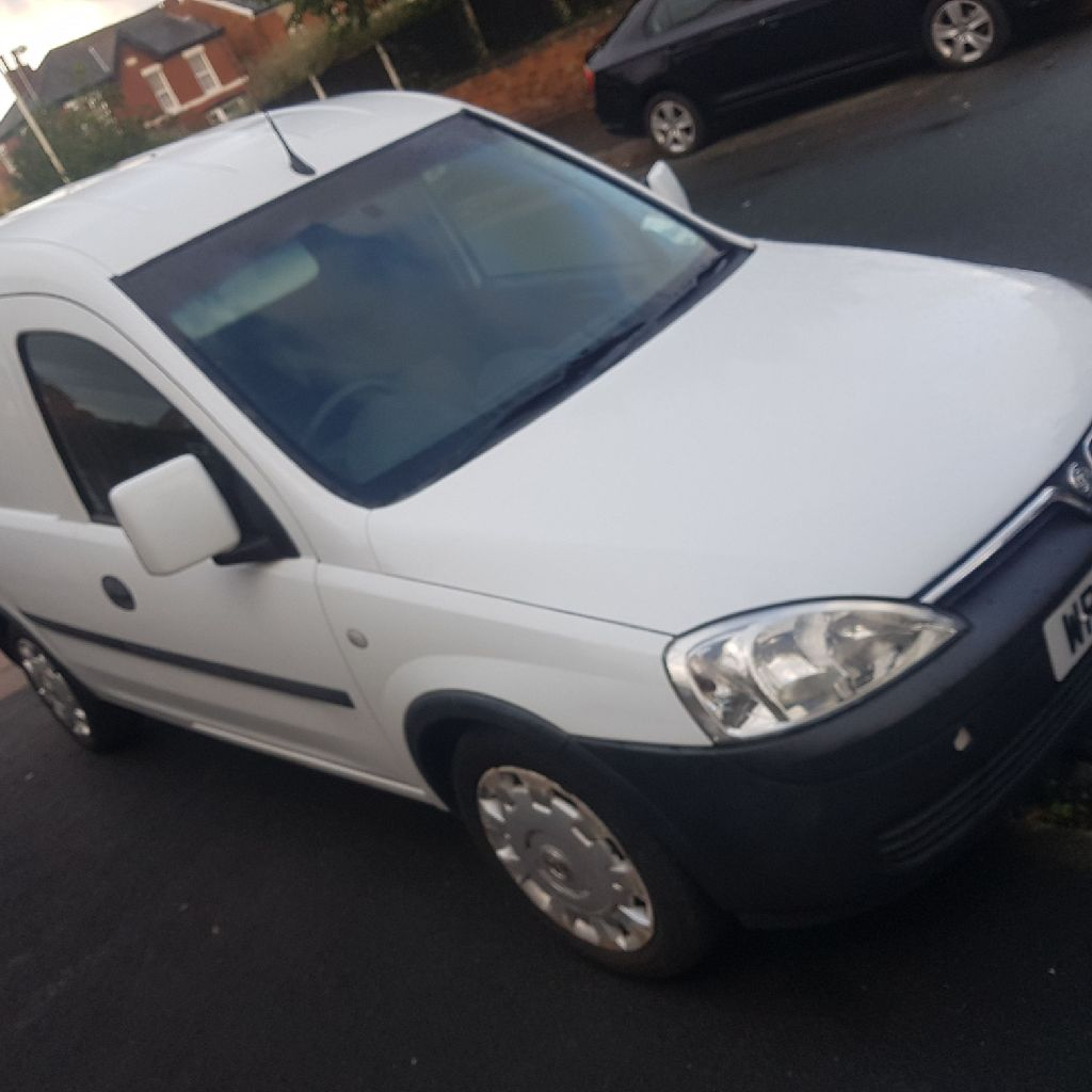 2009 Vauxhall Combo 2000 1.3 cdti low mileage and no vat