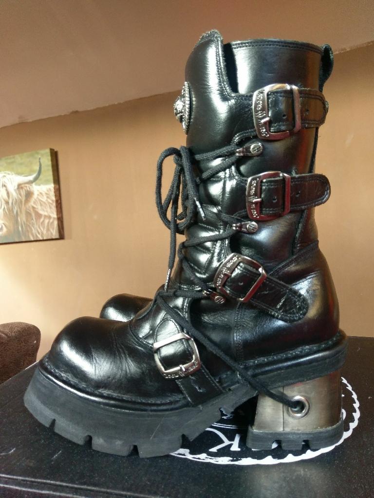 Ladies black New Rock boots Size 6.5 EU 40