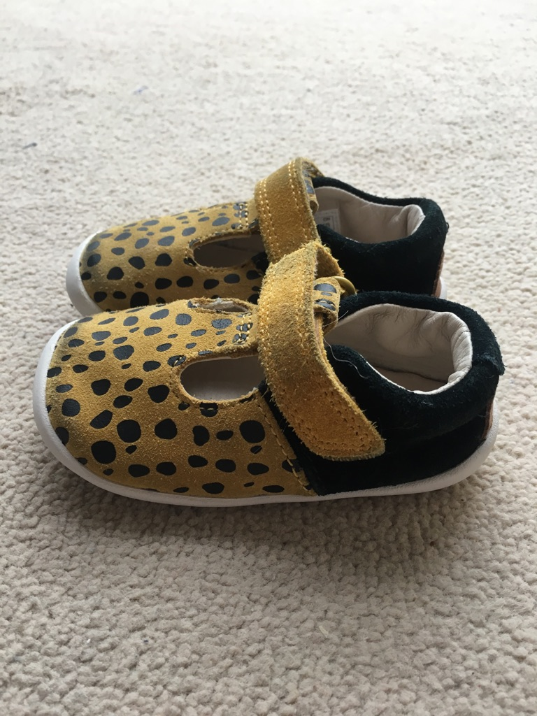 Clark baby's first walking shoes size UK 3.5G