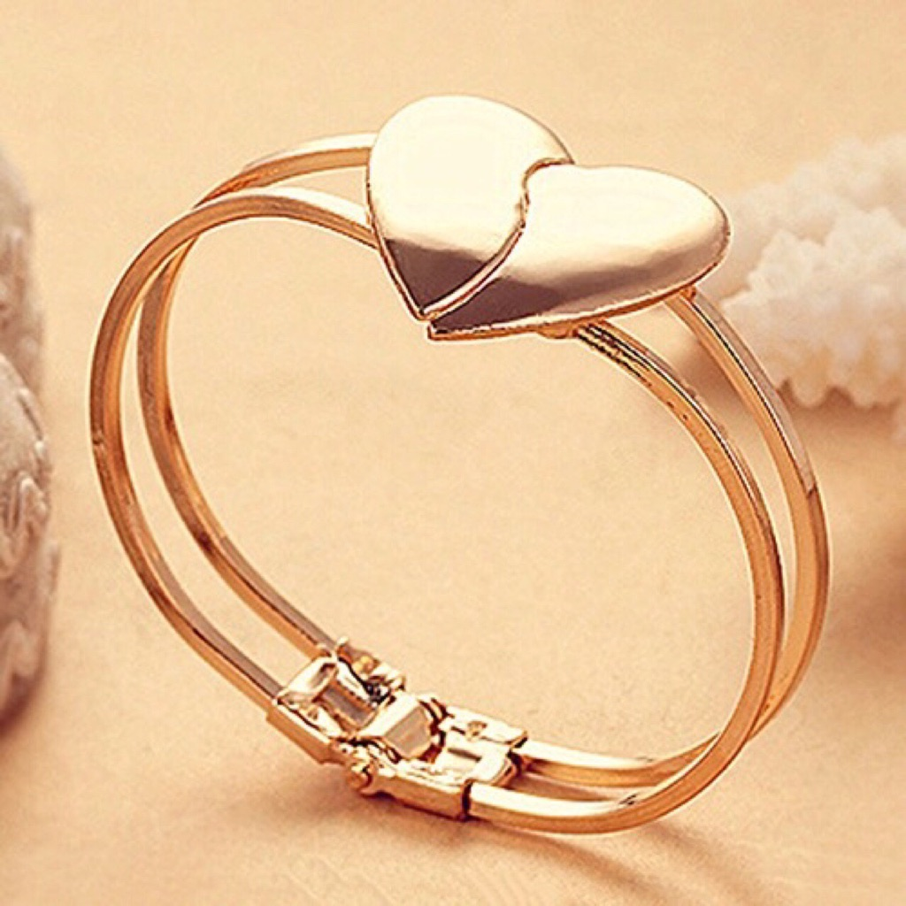 Gorgeous love ❤️ gold plated bracelet brand new