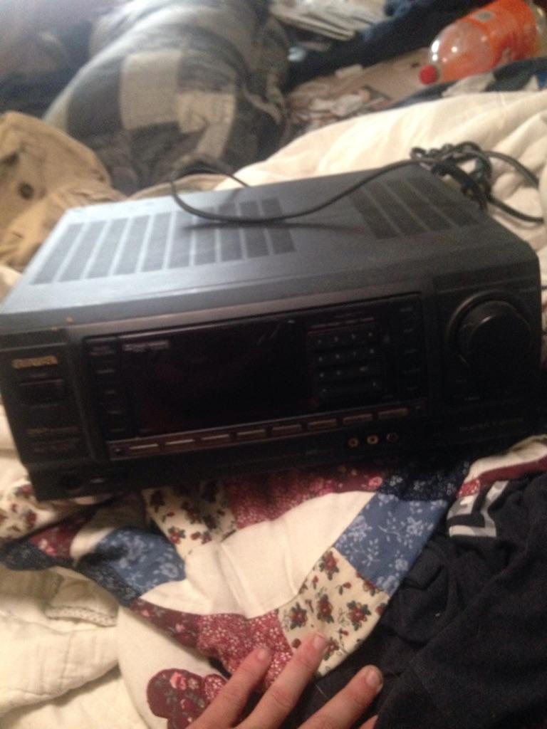 Surround sound am/fm receiver