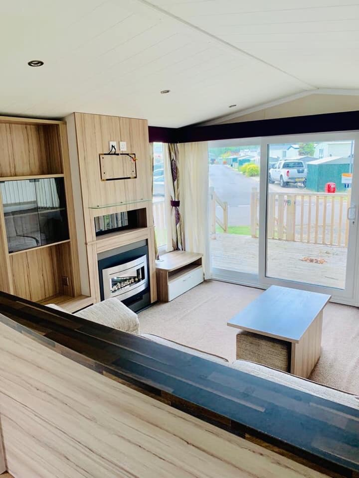 Pre Loved Static Caravan In Northampton With Decking & WiFi!