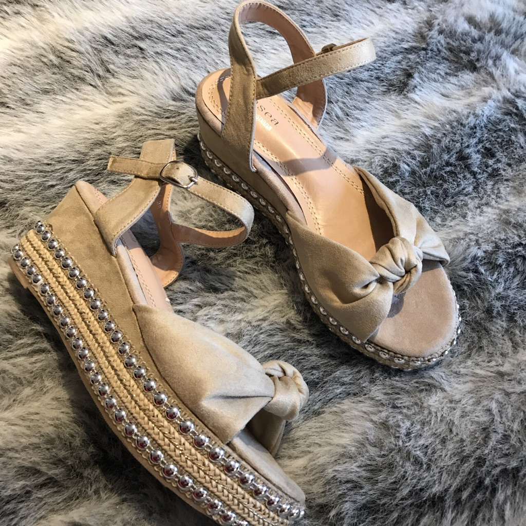 Beige studded wedge sandals size 6 new with box