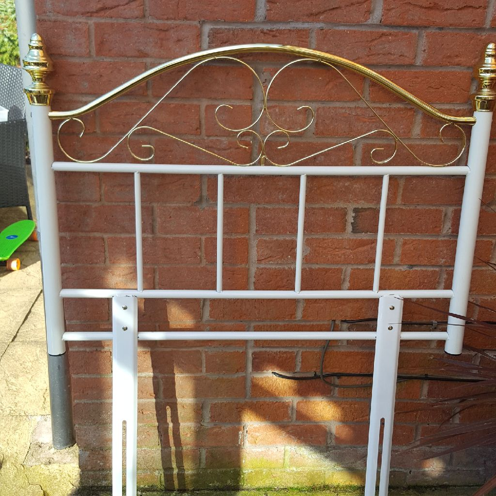Single white and brass metal headboard excellent condition