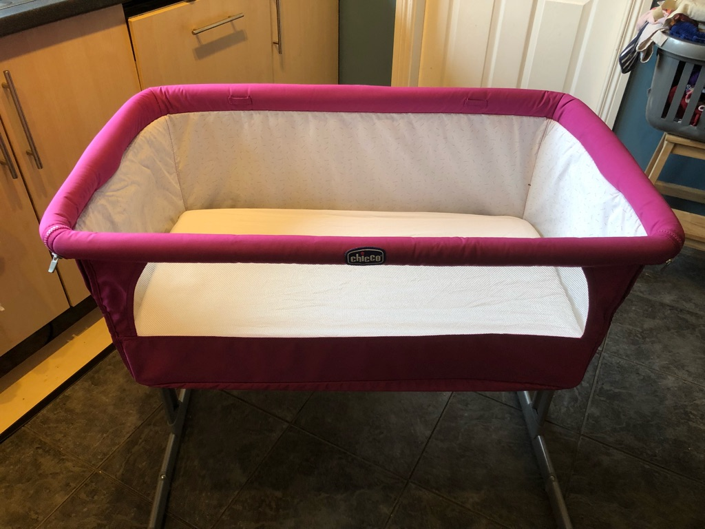 Next2me cot (purple). Bath seat. Babymoov
