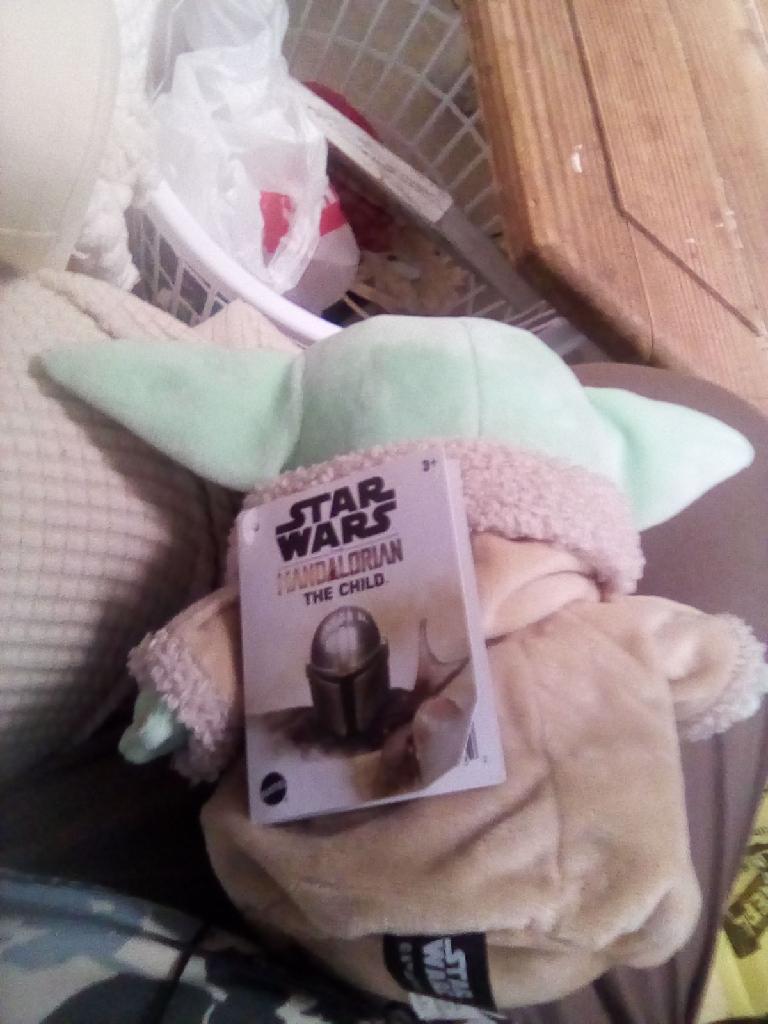 Yoda plus collectible
