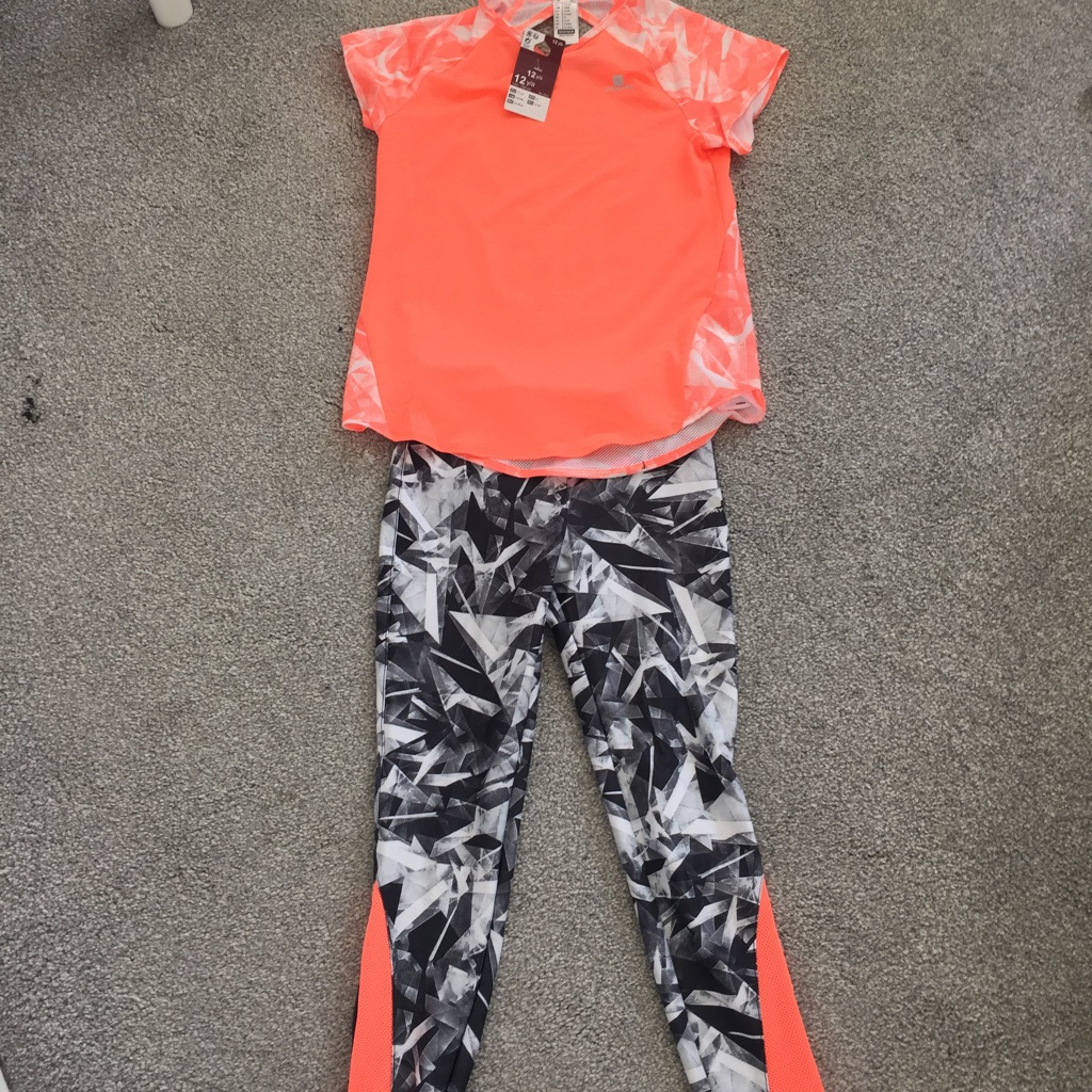 Domyos girls gym trousers and top set age 12