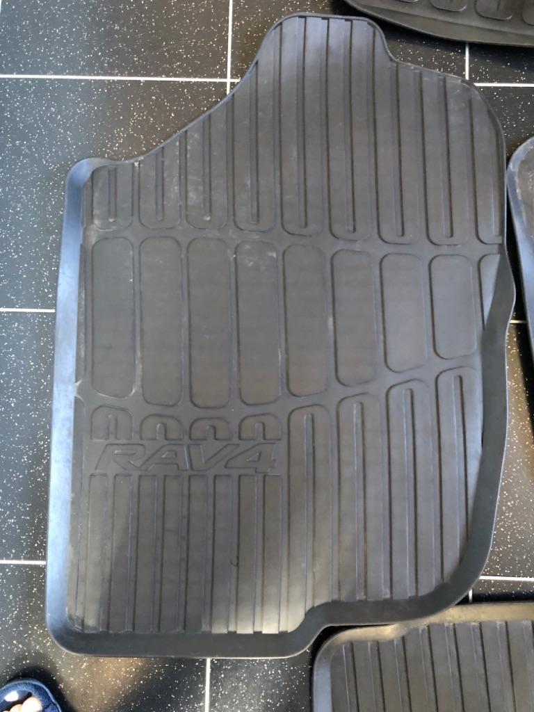 Toyota RAV4 2012 mats