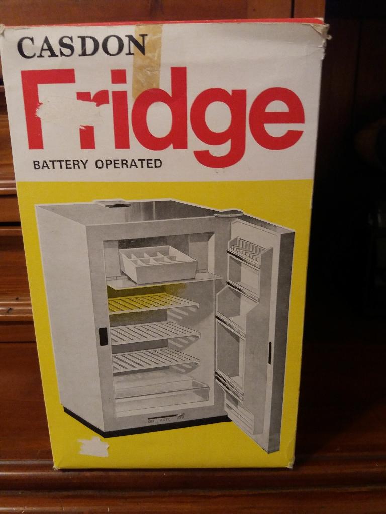 Casdon vintage toy fridge