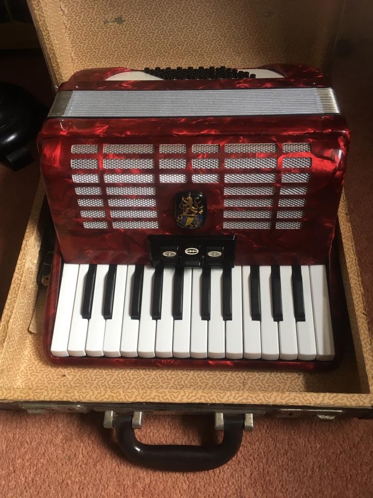 48 bass piano accordion