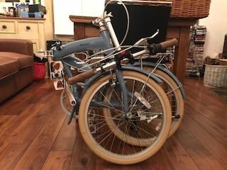 Bobbin folding bike