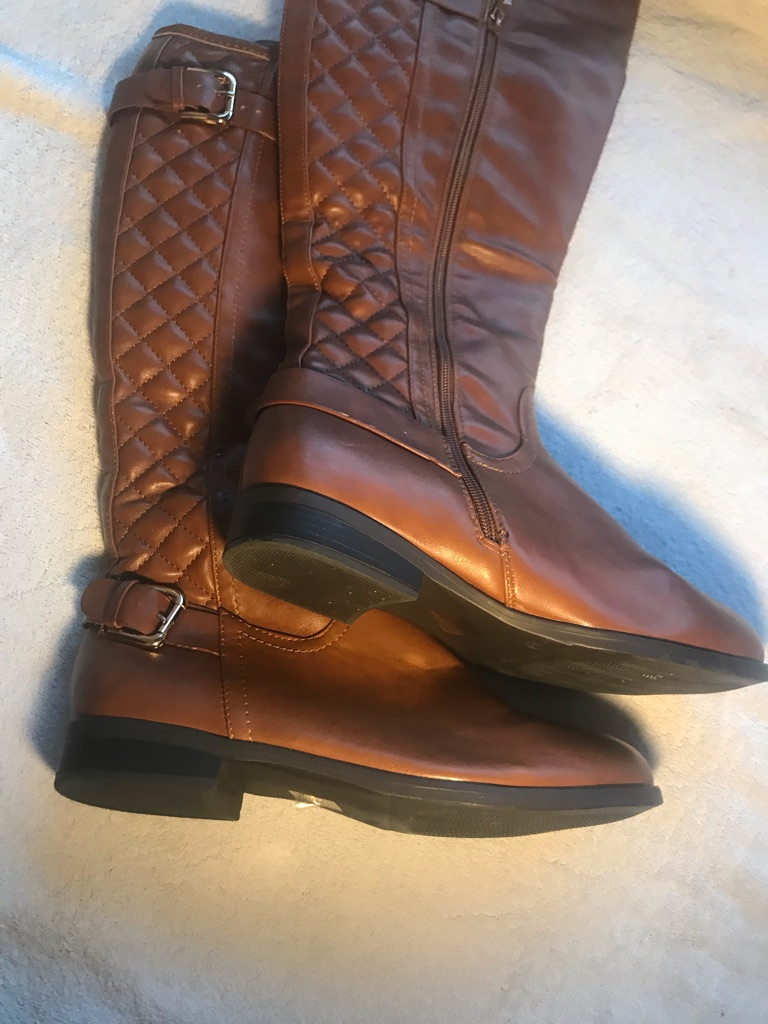 Brown quilted boots size 5