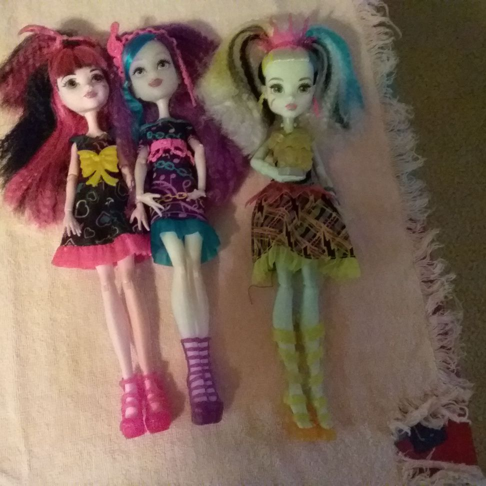 Electrified monster high dolls
