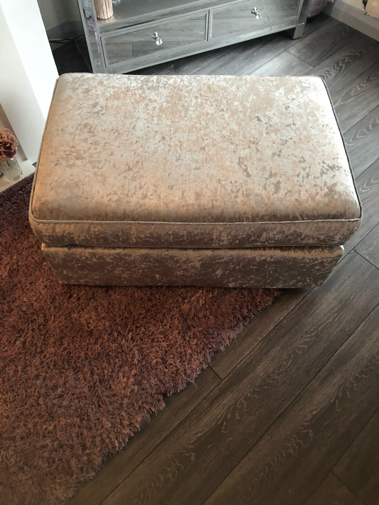 Crushed velvet foot stool sliver
