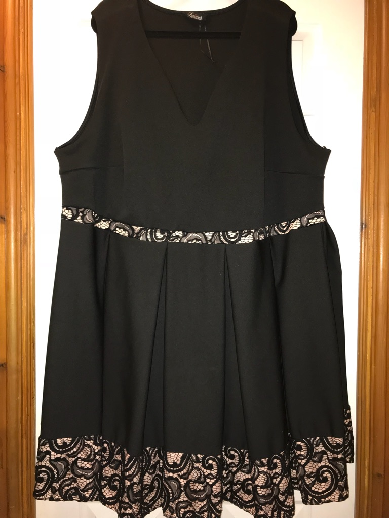 Dresses size 30-32
