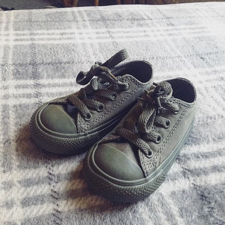 Toddler khaki green converse