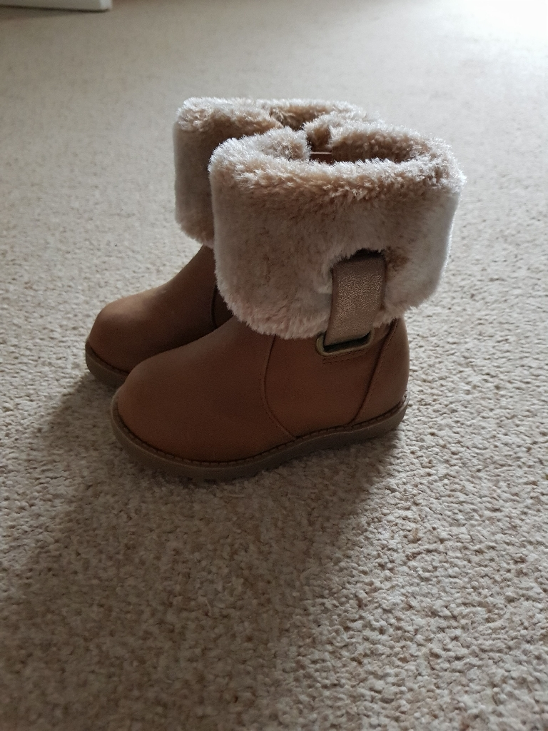 Toddler size 3 boots