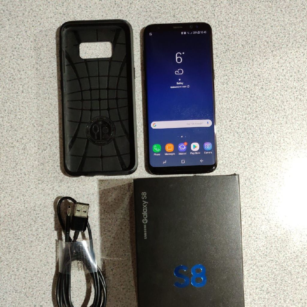 Samsung Galaxy S8 smartphone UNLOCKED boxed with accessories