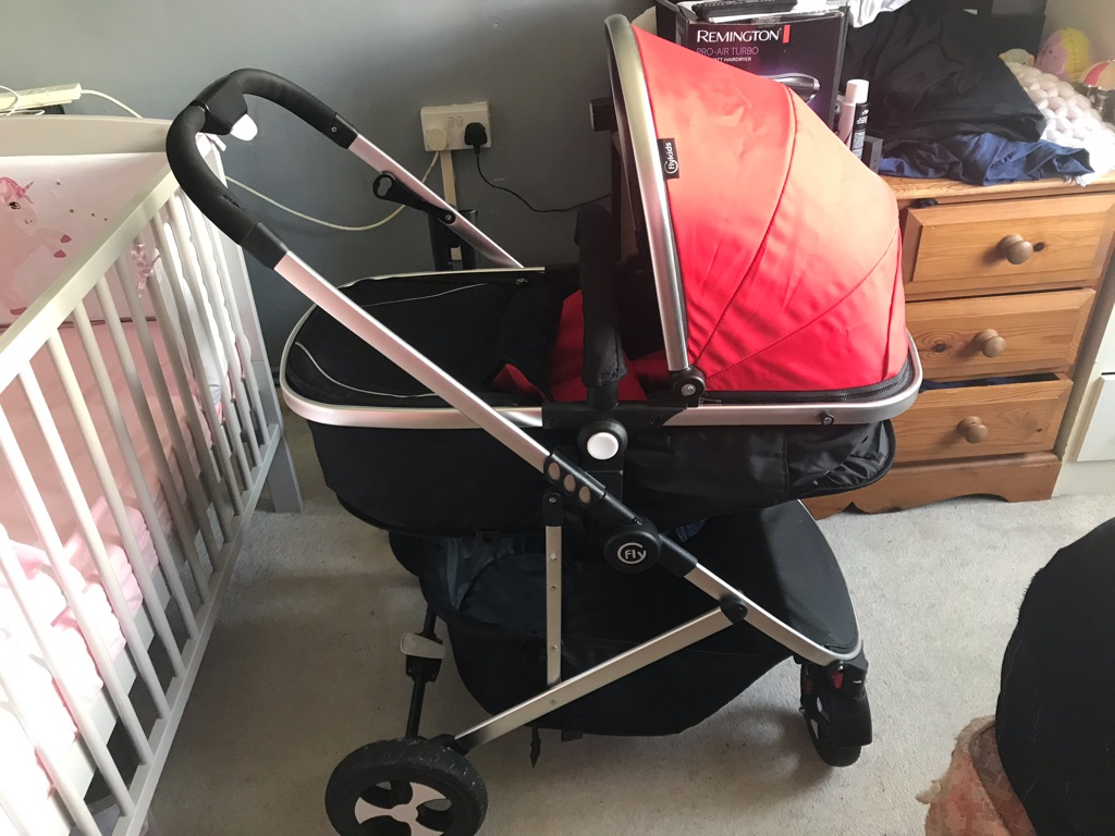 2-in-1 carry cot and stroller