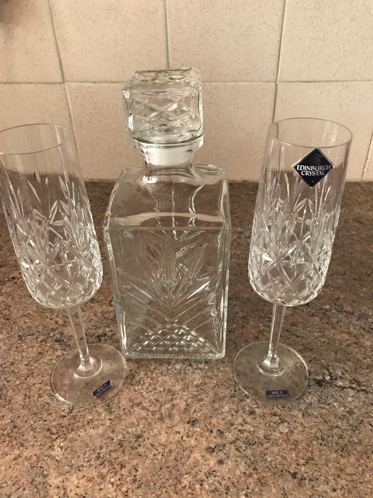 Edinburgh Crystal Decanter & Champagne Flutes
