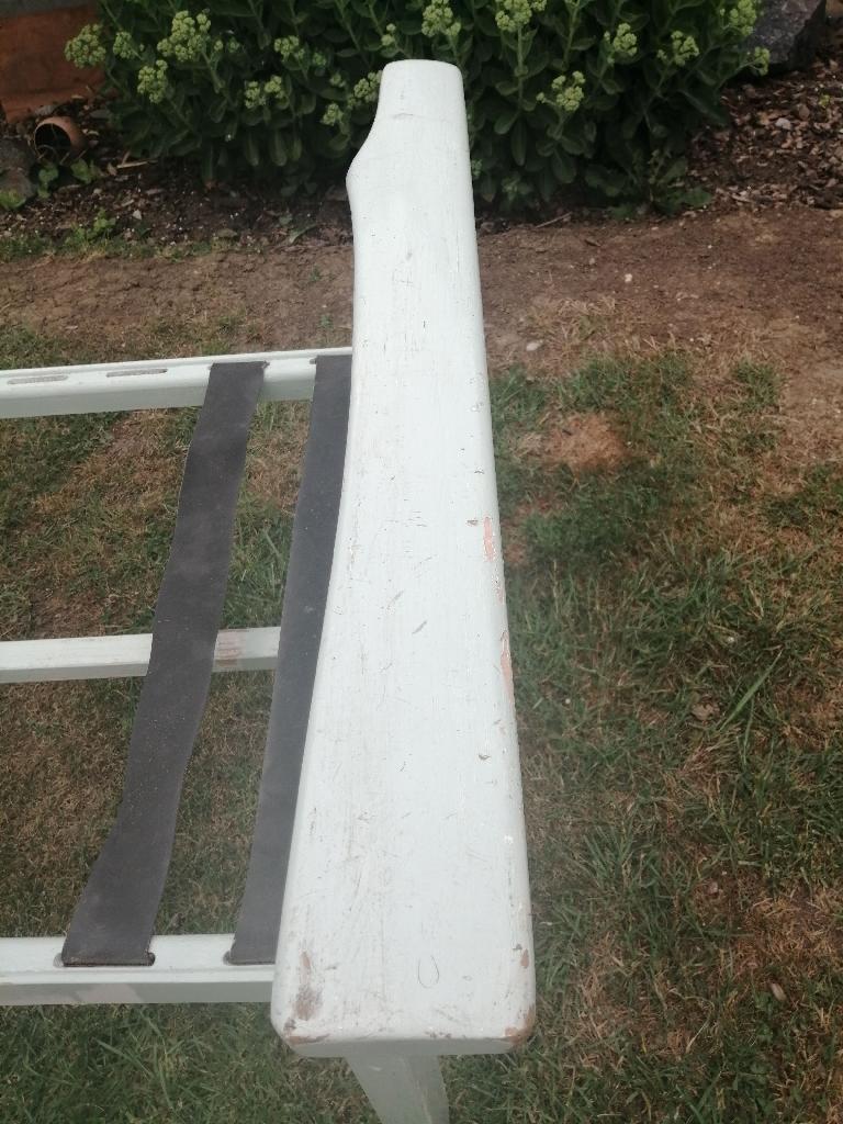 Extending garden bench seating sofa