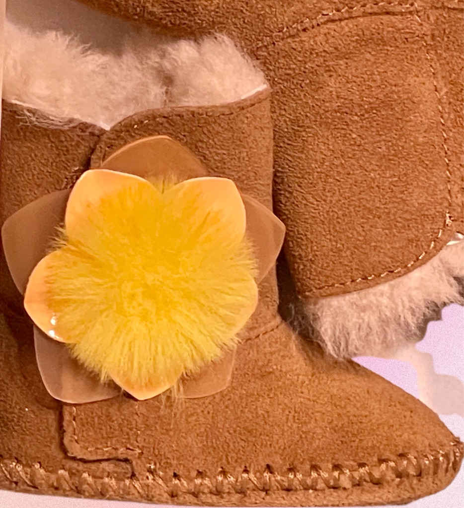 I Cassie Cactus Flower UGG Size 0/1