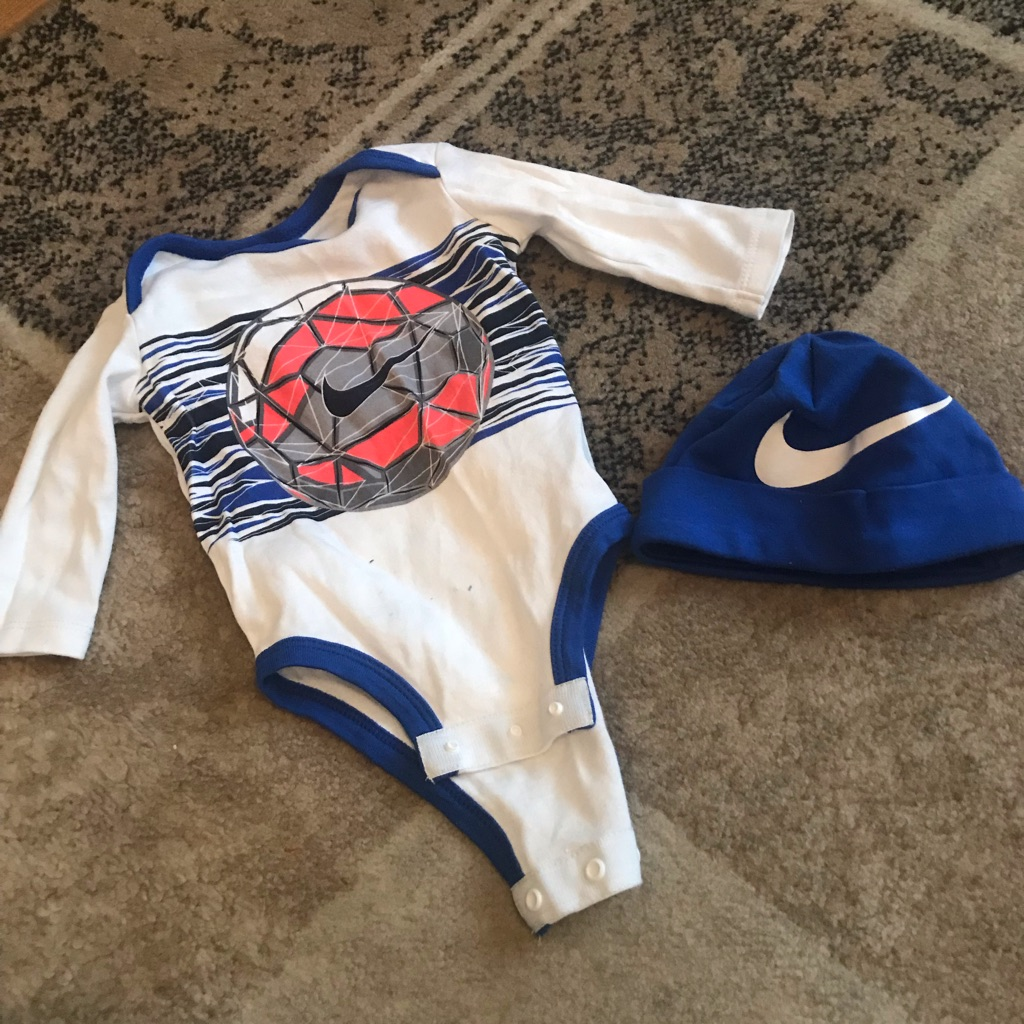 Nike vest and hat