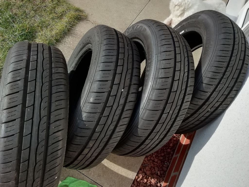 4 Tyres Dunlop SP Sport 175/65 R15 84H
