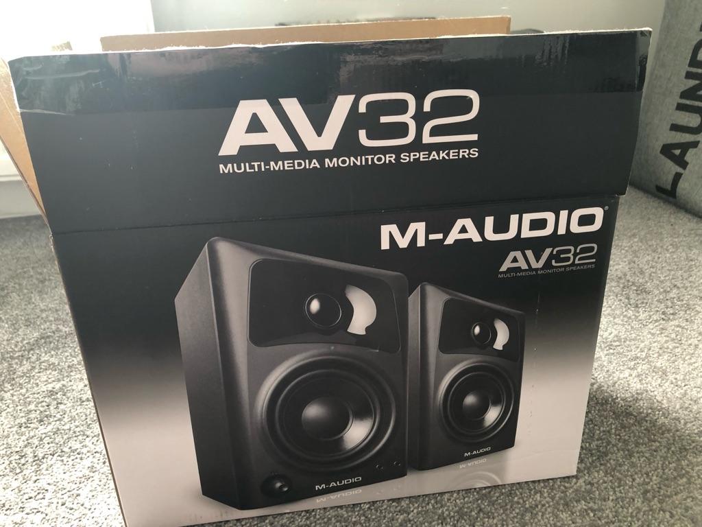 Speaker Pair - multi media audio AV32