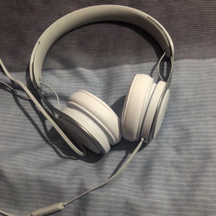 Beats headphones (brand new)