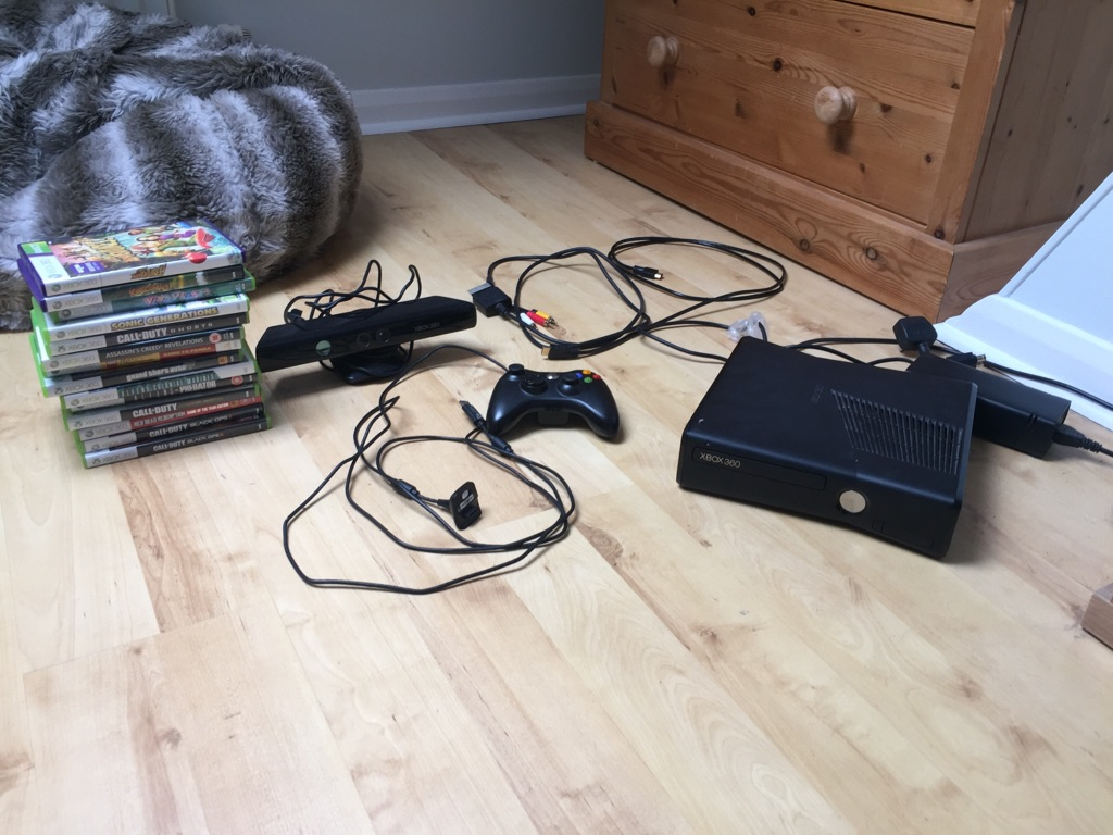 Xbox 360, Kinect & 15 Games