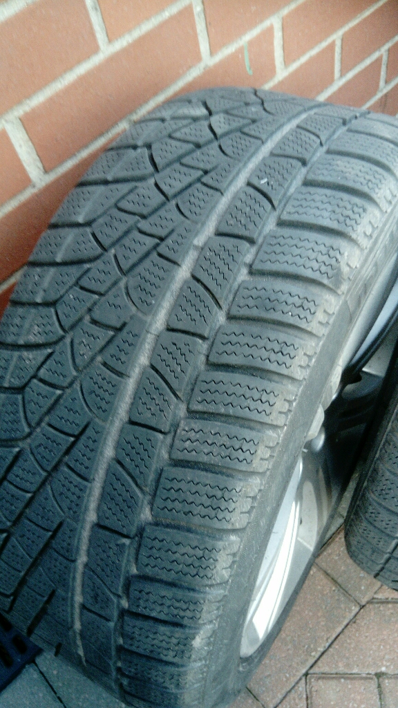 Jaguar XF winter tyres, complete wheels, plenty of tread.