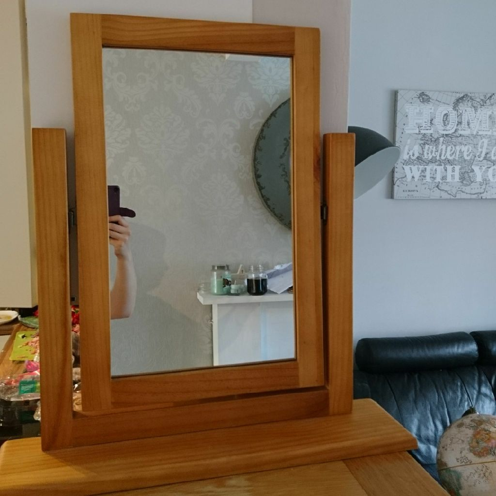 Beautiful oak dressing table mirror