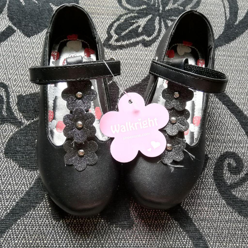 Girls size 10 school shoes