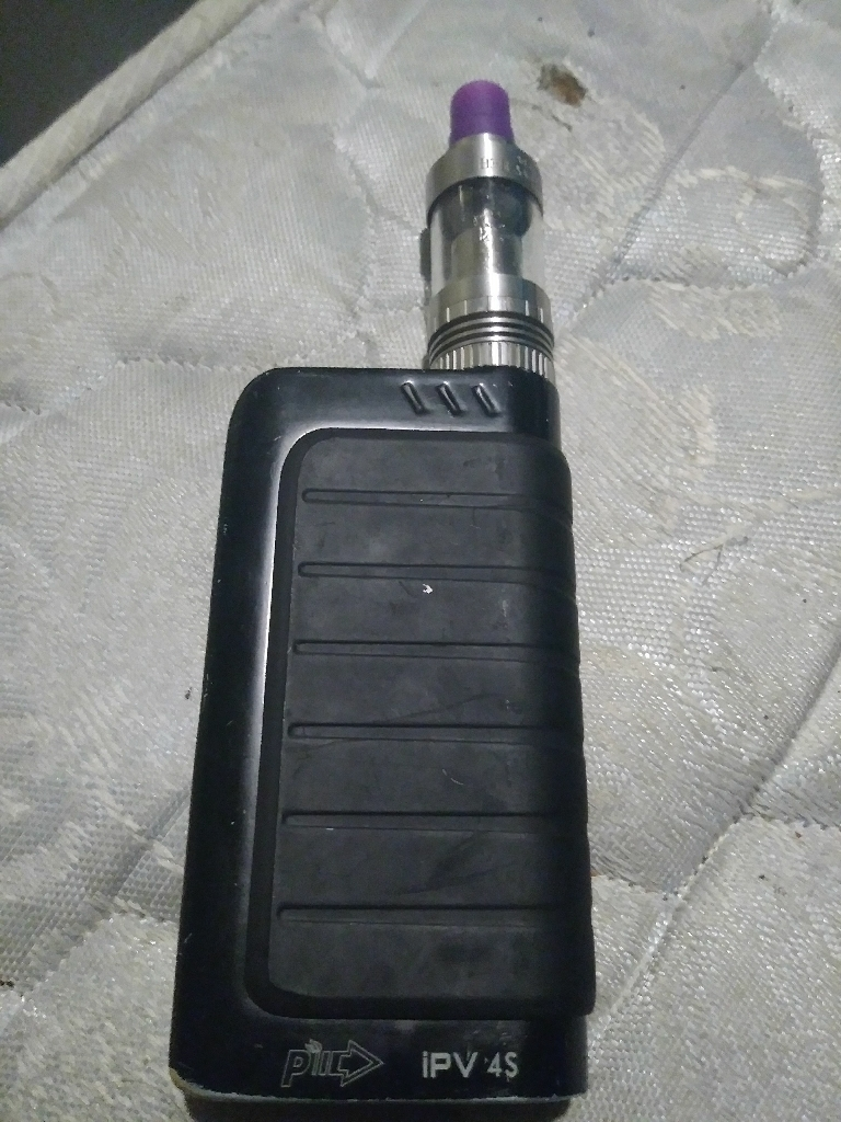 Ipv4s with tank batterys charger and a half bottle of juice