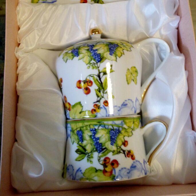 Teapot & Cup/Saucer Set