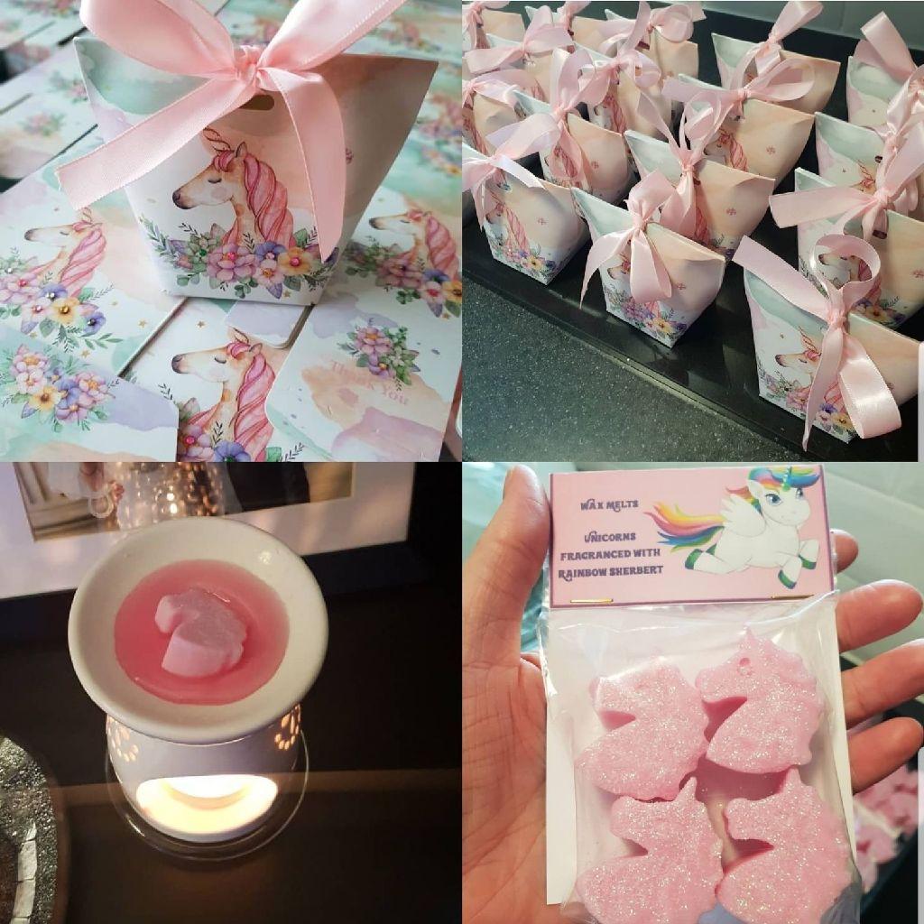 🦄🦄🦄Unicorn sherbert scented wax melts in a Unicorn themed box.