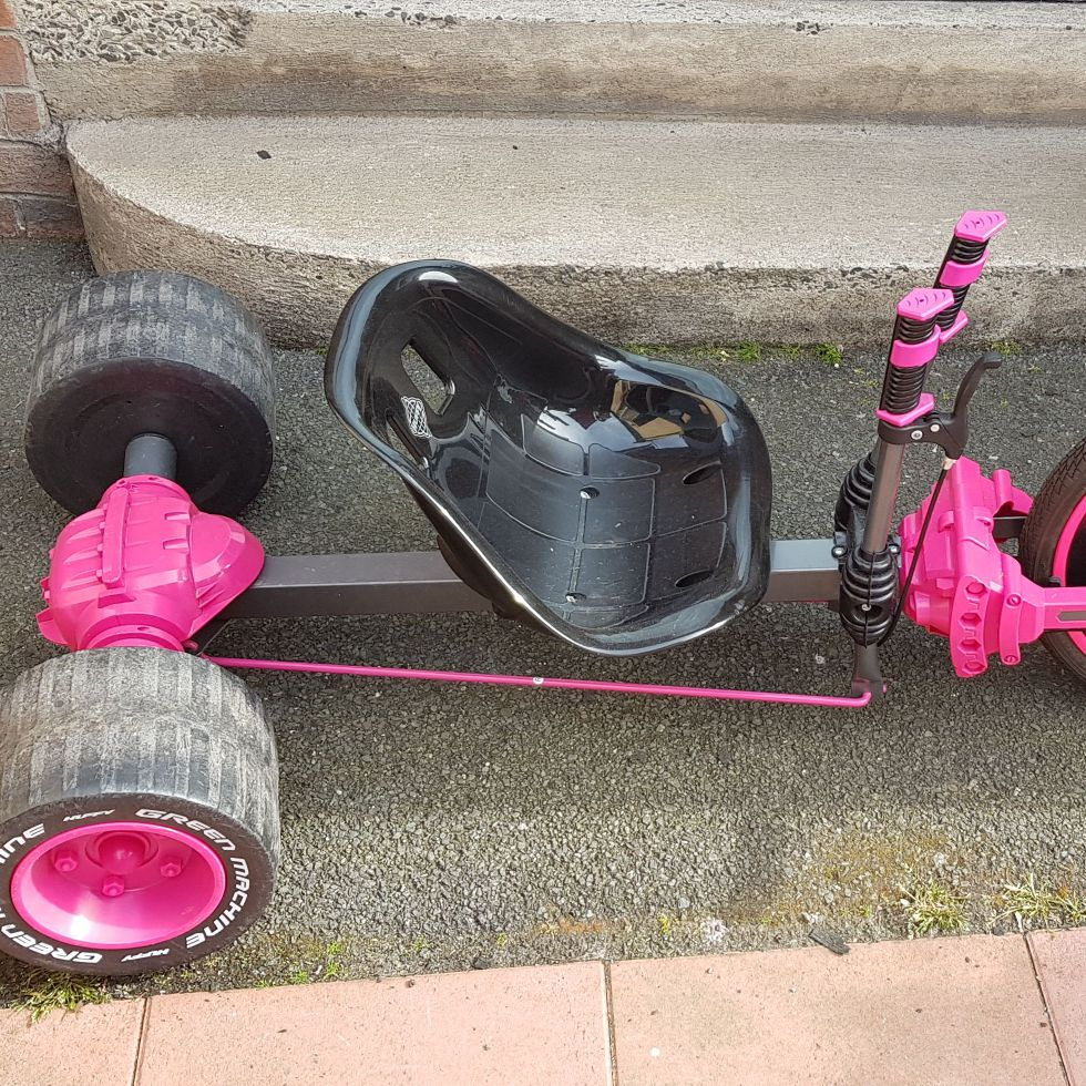 Huffy green machine pink go kart only used once
