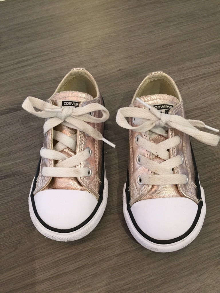 Converse trainers child size 8