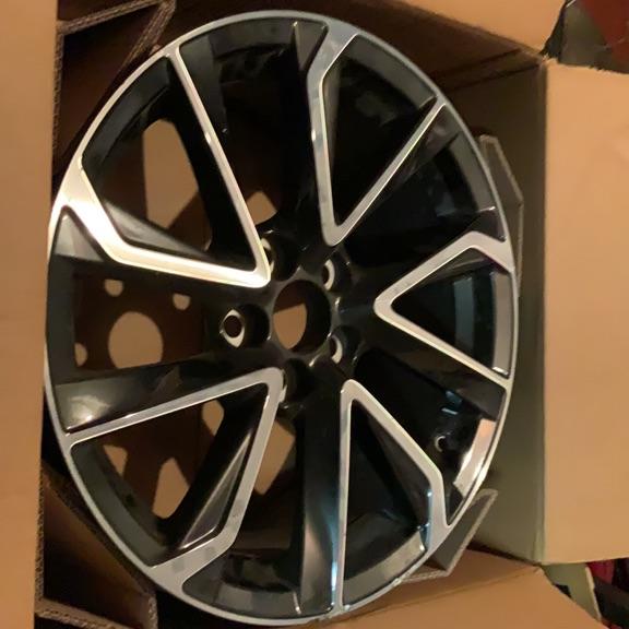 Alloy wheel 18'