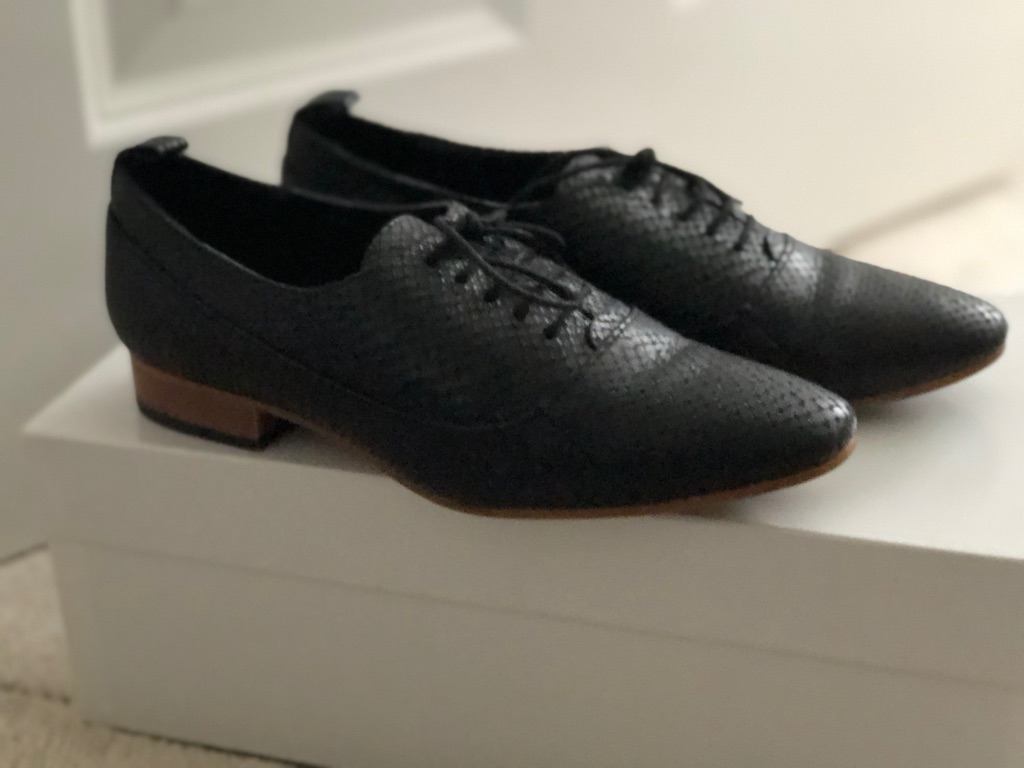 Zara Leather shoes size3