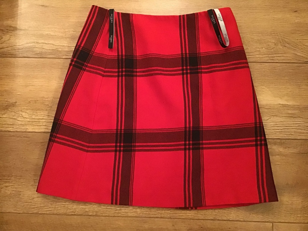 CHECK SKIRT BY HOBBS SIZE 10