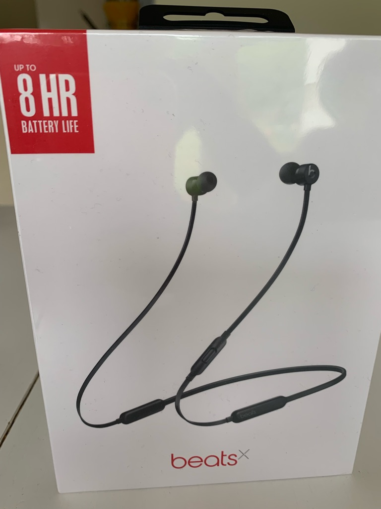 dr beats wireless Bluetooth headphones