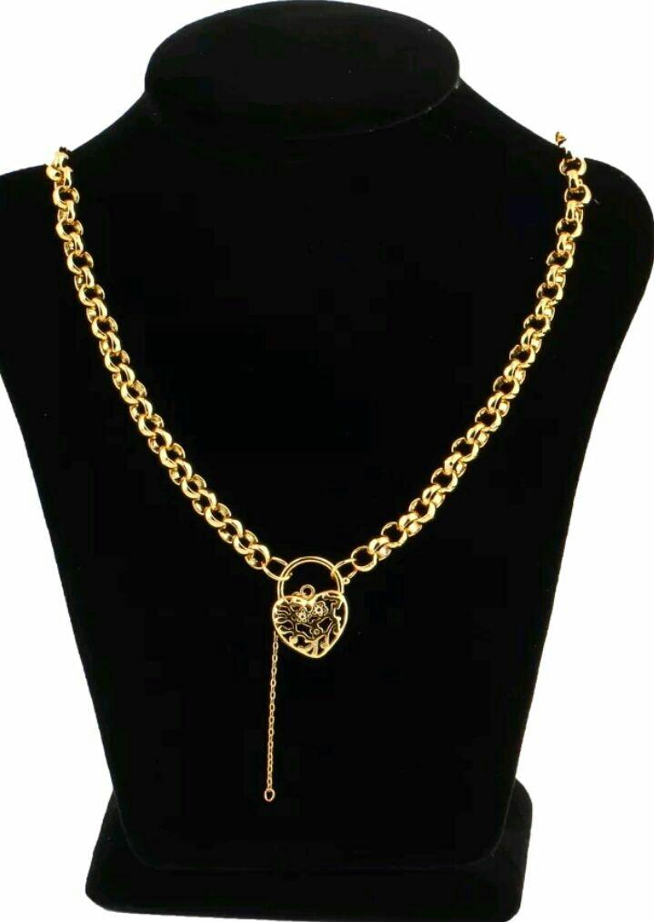 Women's necklace, bracelet, earrings set