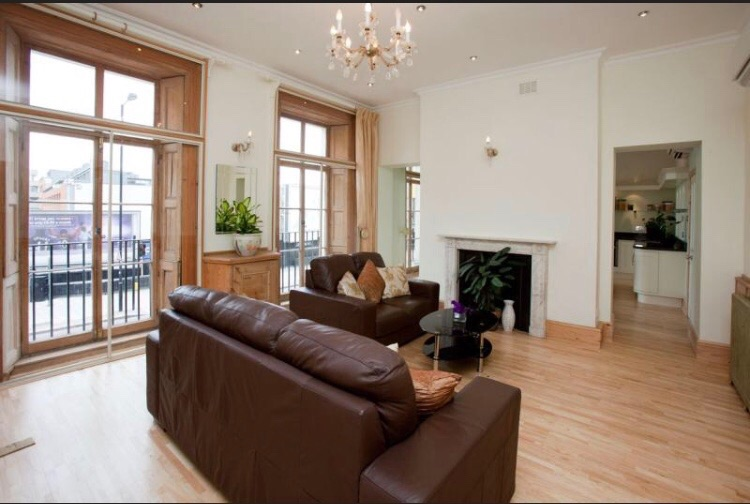 Ensuite Double in Central London available now!