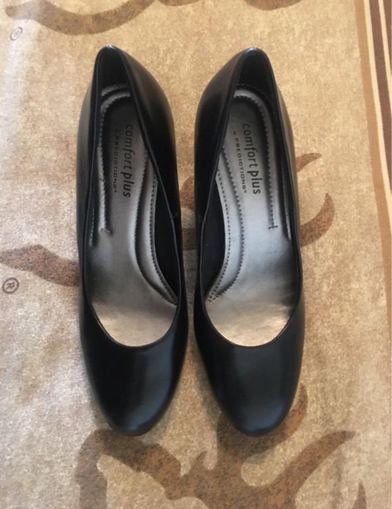 Comfort plus short heel shoes